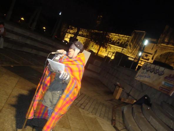 Contra el frío: poesía y mantas. Recita Chus.