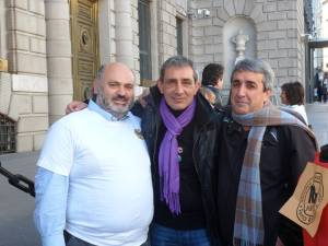 Foto con Miguel de parados en Movimiento de Valladolid y Manuel Cañada de Extremadura, Campamentos Dignidad.