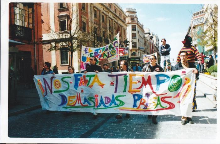 Foto de manifestación contra la falta de tiempo