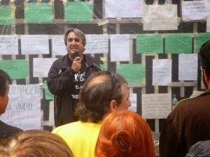 Manuel Cañada representando a los campamentos Dignidad de Extremadura. Con su entusiasmo habitual en favor de la Renta Básica.