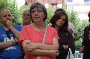 Yolanda atenta a lo que se cuenta, con Lito, José de Extremdura y demás