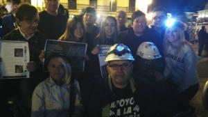 En la manifestación de los mineros recordamos a Juan José en el banco que le dedicamos.