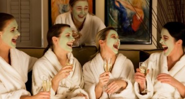 spa_pamper_day_laughing2-560x300