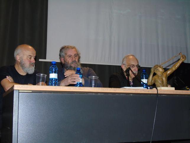 Maurico y Ful trabajan en la Nueva Crónica de León, el primero como fotógrafo, el segundo ejerciendo el periodismo humanista.