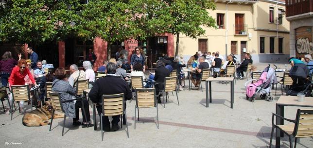 Asistieron y han participado muchas personas del mundo cultural de la ciudad.